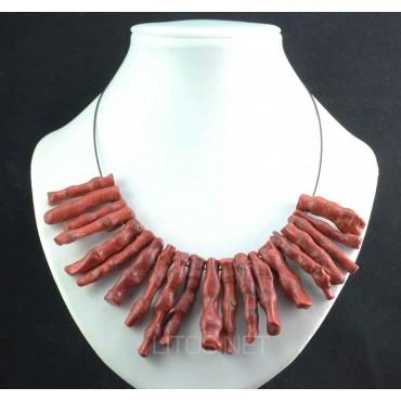 Collar de coral rojo
