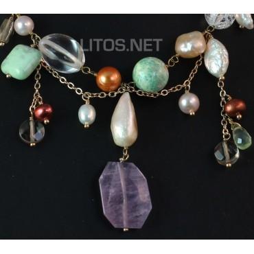 Collar de minerales y perlas
