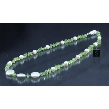 Collar de perlas y olivino J2891
