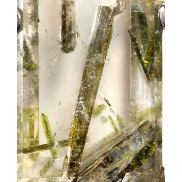 Colgante de cuarzo con epídota J3421